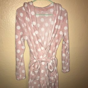 Other - Adorable pink & white polka dot robe with pockets!